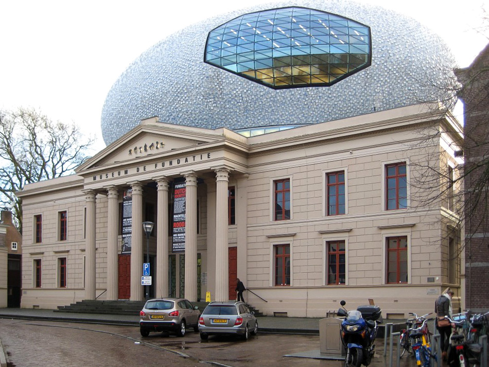 Museum de Fundatie entree kant roelienke de vries kleurontwerp corporatievastgoed